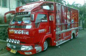 Gambar Foto Modifikasi Mobil Truk Lampung untuk Kontes