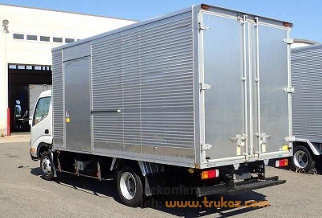 Modifikasi Truk Dyna Box Angkutan Barang Mobil Truk