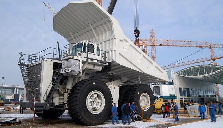Gambar Foto Harga Mobil Truk Terbesar di Dunia Liebherr T 282B