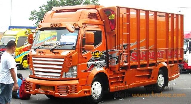 Gambar Foto Modifikasi Mobil Truk Mitsubishi untuk Kontes Truk