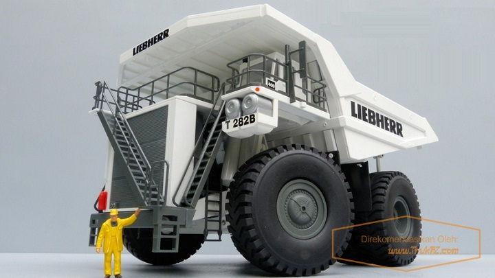 Gambar Foto Replika Diecast Mobil Truk Terbesar di Dunia Liebherr T 282B