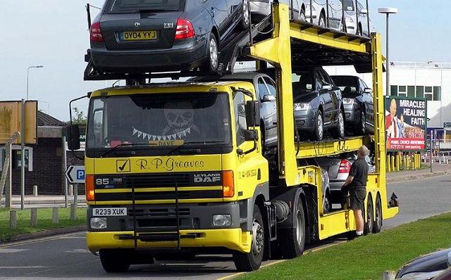 Gambar Foto Bak Truk Besar Modifikasi Angkutan Muatan Mobil